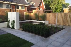 aanleg-moderne-tuin-2-